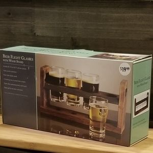 Beer Glasses with Wood Stand